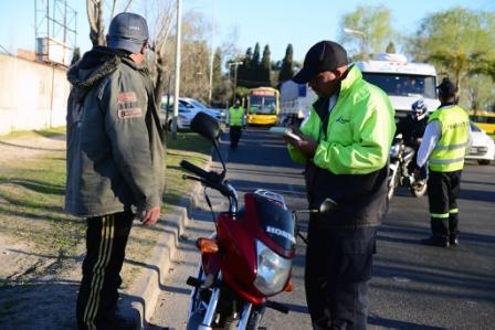Más de 30 motos en infracción en un control de tránsito de San Fernando