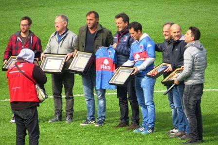 El club Tigre homenajeó al entrenador y capitán de Los Leones campeones olímpicos