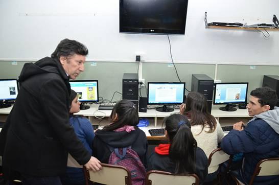 El Municipio de San Isidro entregó estos equipos de última generación. Allí estuvo el intendente Gustavo Posse.