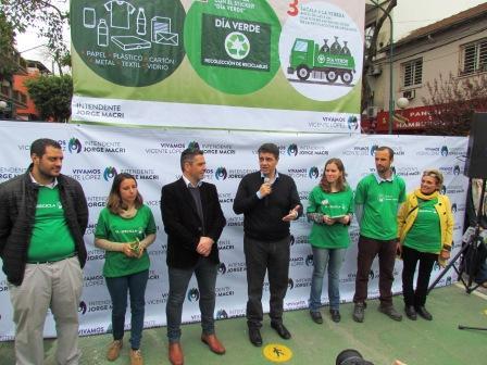 """Vicente López presentó su plan de reciclaje denominado """"Día  Verde"""""""