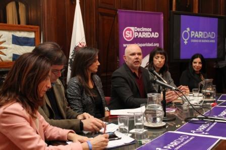 Malena Galmarini acompañó a Javier Gentilini y al Frente Renovador porteño en la presentación del proyecto de Ley de Paridad para cargos representativos y órganos colegiados en la CABA.