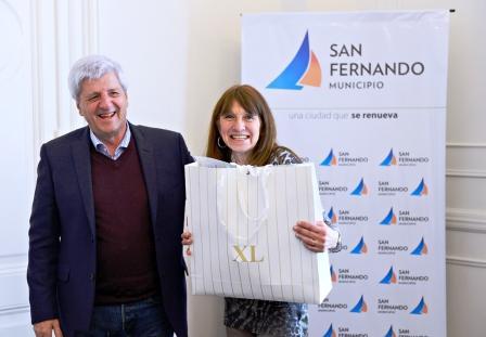 El Intendente de San Fernando compartió la última jornada laboral de Susana Bernachea, querida empleada de la Secretaría de Economía del Municipio, junto a sus compañeros y funcionarios.
