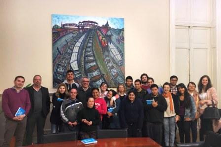Julio Zamora recibió a los chicos de la Fundación Nosotros