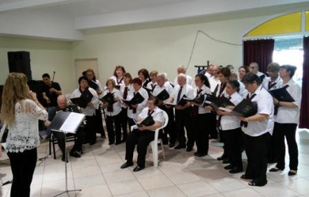 El presidente del Concejo Deliberante de San Isidro, Carlos Castellano, participó del festejo por el 11º Aniversario del Coro de la Sociedad Italiana y Socorros Mutuos y Cultural Dante Alighieri de San Isidro, en su sede de Don Bosco 57.