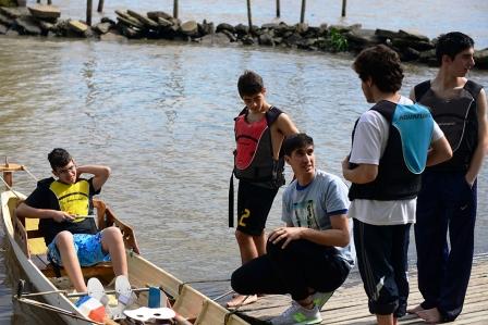 """Chicos isleños compartieron clínicas de remo y canotaje en el """"Poli 3"""" de San Fernando"""