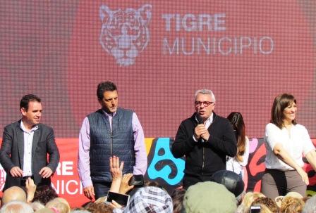 Más de 5 mil jubilados de Tigre celebraron su día junto a Julio Zamora y Sergio Massa