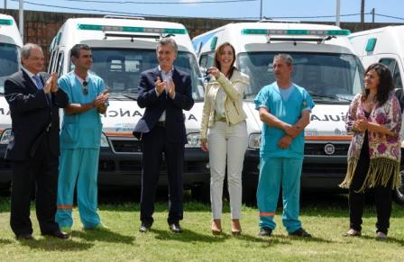 Macri entregó 40 ambulancias a la provincia de Buenos Aires