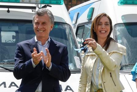 """El presidente Mauricio Macri afirmó hoy que están """"todos con la gobernadora"""", al ratificar su apoyo a la mandataria provincial, María Eugenia Vidal, luego de las amenazas que recibió la semana pasada."""