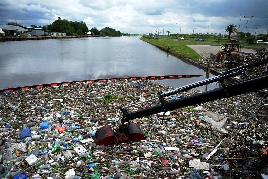Tigre limpia el Río Reconquista en la Pista Nacional de Remo