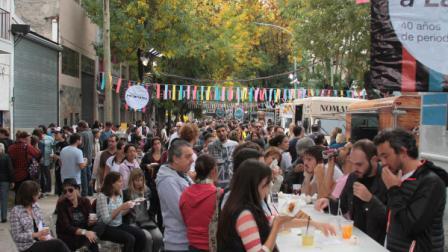Nueva edición de la feria Leer y Comer en el río de Olivos