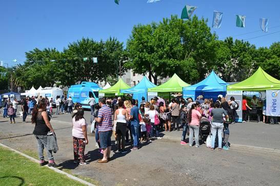"""El Programa """"El Estado en tu Barrio"""" convocó a una miles  de vecinos del Bajo Boulogne"""
