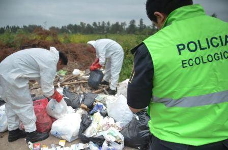 El municipio de Pilar realizó importante operativo para erradicar vuelcos clandestinos
