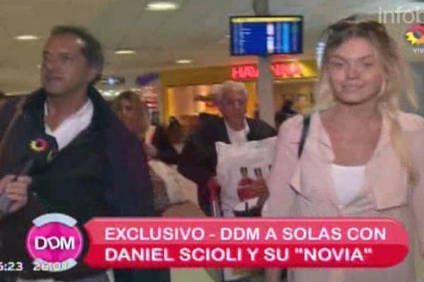 Conocé a la rubia que acompañó a Daniel Scioli en Punta Cana