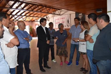 """El senador provincial Sebastián Galmarini visitó la localidad de Moreno para entregar un subsidio a la Escuela Primaria Nro 69 """"Atahualpa Yupanqui"""" de Cuartel V,"""