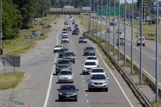 Comienza la restricción de camiones en las rutas y autopistas por el fin de semana largo