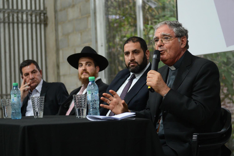 Permitirán actividades religiosas en distritos del AMBA