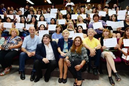 Más de 250 licenciados en enfermería y camilleros ya se recibieron en San Fernando