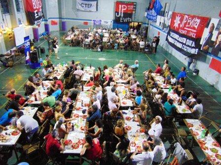 El sábado el concejal Joaquín Noya participó de la cena de fin de año del Movimiento Evita Vicente López junto a más de 200 compañeros y compañeras en la Sociedad de Fomento y Cultura Villa Martelli.