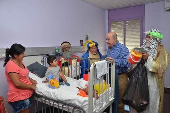 En San Isidro los reyes magos visitaron a chicos del Hospital Materno Infantil.