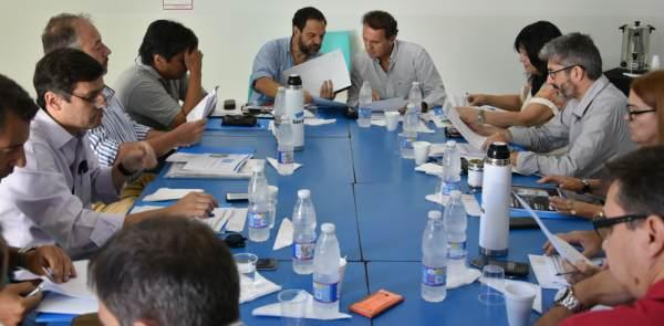 Katopodis encabezó la primera reunión de gabinete del año en Barrio Libertador.