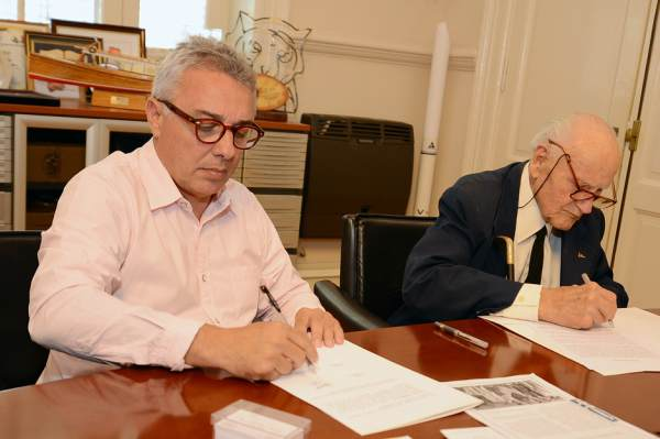 El municipio firmó un convenio de cooperación con el Tigre Sailing Club.