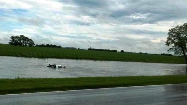 Hay unos quinientos evacuados y más de dos mil autoevacuados en el sur de Santa Fe por las lluvias