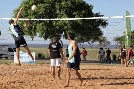 Se inauguraron las nuevas canchas de Beach Voley en el Paseo Costero de Vicente López