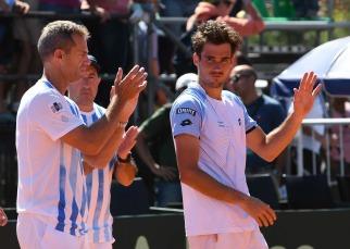 Argentina quedó al borde de la hazaña ante Italia, pero jugará por el descenso tras el triunfo de Fognini ante Pella