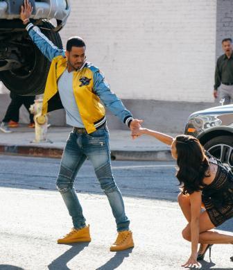 Romeo Santos regresa convertido de superhéroe