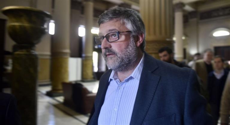 """El Ministro de Trabajo bonaerense advirtió que sindicalistas que pretendan """"extorsionar"""" terminarán en la cárcel"""
