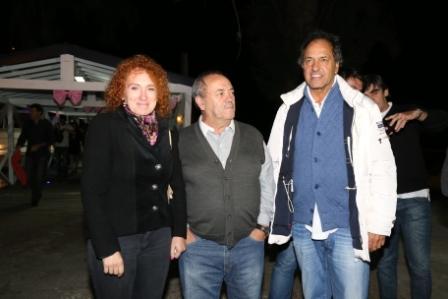 Daniel Scioli y Roberto Passo saludaron a las mujeres por su día