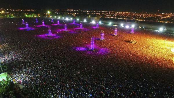 Dos muertos y doce heridos en el recital del Indio Solari en Olavarría, al que asistieron más de 300.000 fanáticos
