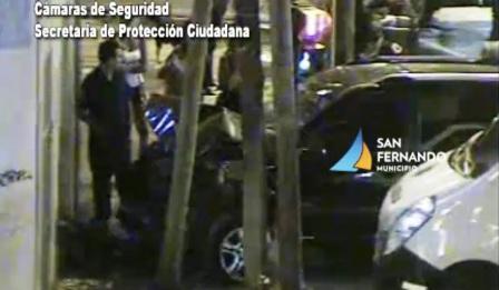 Espectacular choque de una camioneta en San Fernando