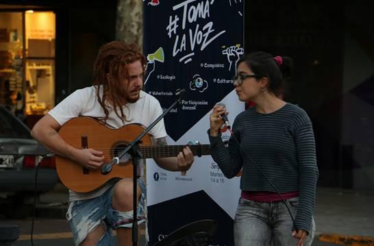 En San Isidro comenzó un ciclo acústico de música callejera