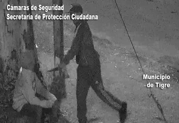 Las cámaras del COT captaron individuos con arma blanca y fueron detenidos.