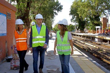 Guillermo Fiad recorrió la estación Virreyes junto a Agustina Ciarletta, referente de Cambiemos en San Fernando.