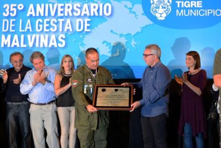 Tigre homenajeó a los ex combatientes de Malvinas con una conmovedora vigilia