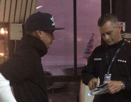 Dzikoski fue aprehendido por los policías minutos después de descender de un avión procedente de Miami, ciudad a la que había viajado para disfrutar de unos días de vacaciones.