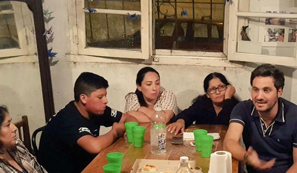 Cafiero se reunió con vecinos de La Cava preocupados por Inseguridad del barrio