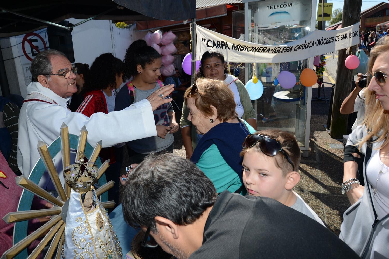 Tigre recibió en Semana Santa al obispo Oscar Ojea y la carpa misionera