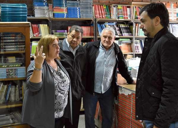Sebastián Galmarini junto a los concejales del Frente Renovador Gonzalo Beccar Varela y Juan Medina, visitaron la Escuela Secundaria N° 12