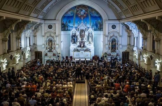 """Miles de personas disfrutaron de la décima edición del """"Camino del Santo"""""""