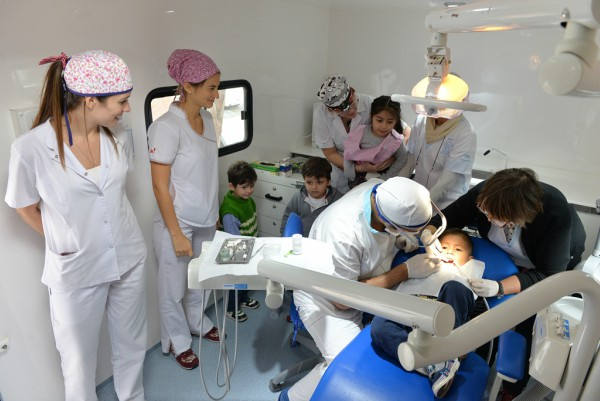 En San Fernando, el 80% de los chicos de las UDI no tienen caries gracias al Programa Odontológico