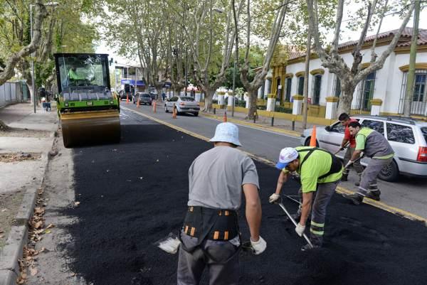 San Fernando repara la carpeta asfáltica de la avenida Libertador