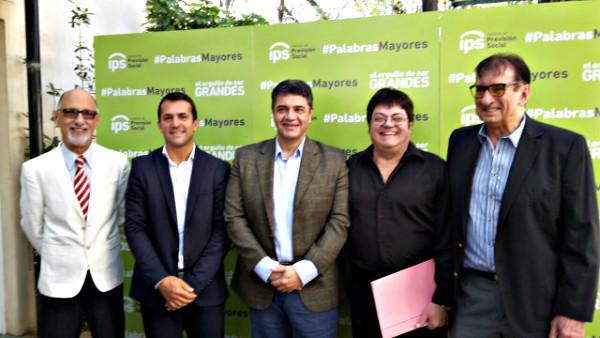 "Junto a destacadas figuras se inauguró ""Palabras Mayores"" en Vicente López"