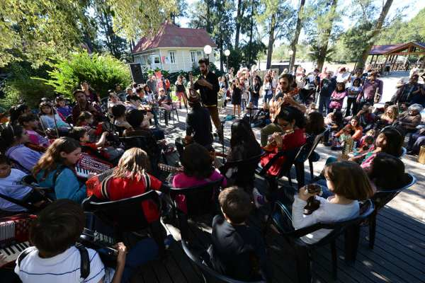 """Tigre celebró el """"Día de la Tierra"""" con la música de la Orquesta Infanto Juvenil del Delta"""