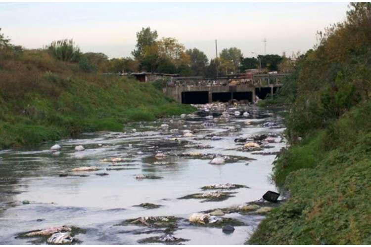 Incorporan diez inspectores para fiscalizar industrias de mayor contaminación en el Río Reconquista