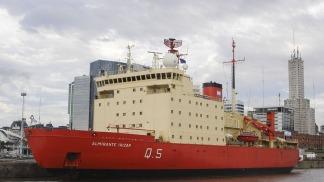 El rompehielos Almirante Irízar volvió a navegar después de 10 años