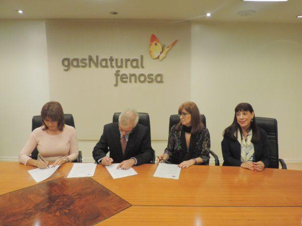 El convenio de colaboración fue firmado por el Presidente de Gas Natural Fenosa en Argentina, Ing. Horacio Cristiani, junto a la presidenta del CEC, Susana Andrada, y la presidenta de ADECUA, Sandra González.