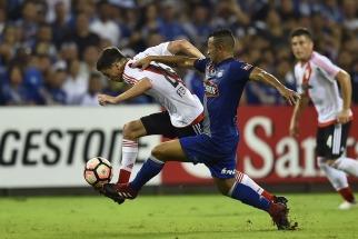 River dio un gran paso hacia octavos de la Copa al vencer a Emelec en Ecuador
